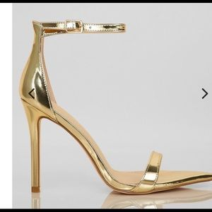 Shoes - Golden heels